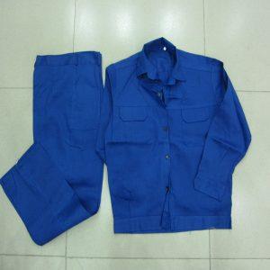 Quần áo cho công nhân may sẵn