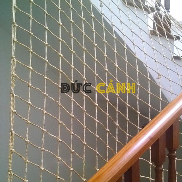 Lưới cầu thang giá rẻ tại Hà Nội